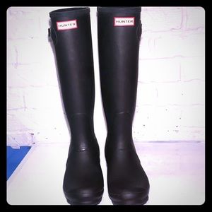 LIKE NEW! HUNTER Original Tall Waterproof Boots!!!
